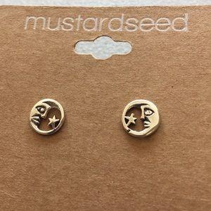 Welman Jewelry - Moon 🌝 and star ⭐️ earrings.